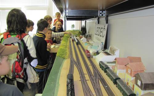 Provoz kolejiště při dnu otevřených dveří - 2013
