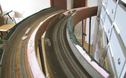 Podkladová vrstva hlíny (písku) pod elektrostatické zatravnění