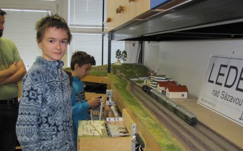 Ledeč, jeho výpravčí a osobní vlak připravený k odjezdu