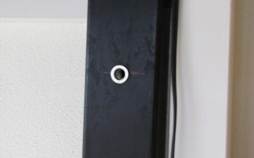 Montáž pozadí za stanici Ledeč - detail nýtovací matice