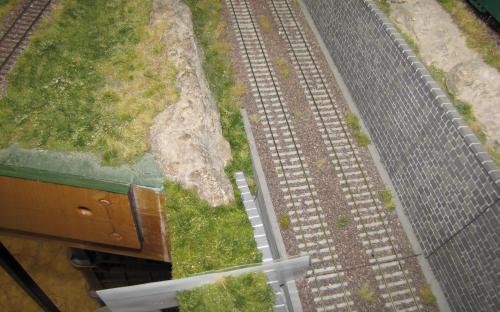 Dokončení zatravnění v příkopu u trati Tr02 - duben 2017